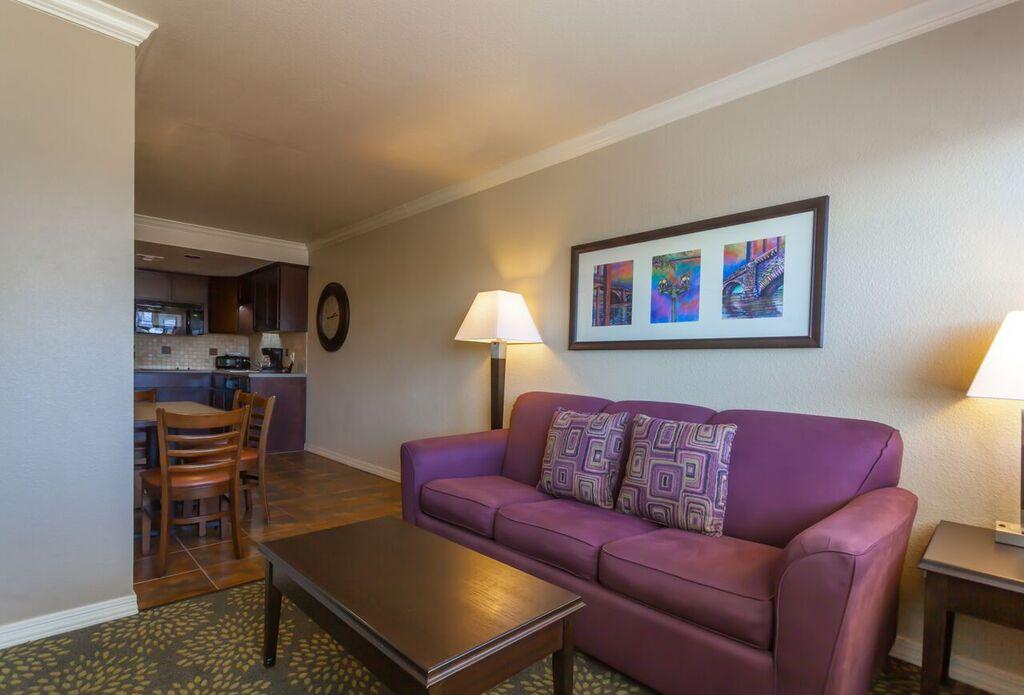 London Bridge resort rooms